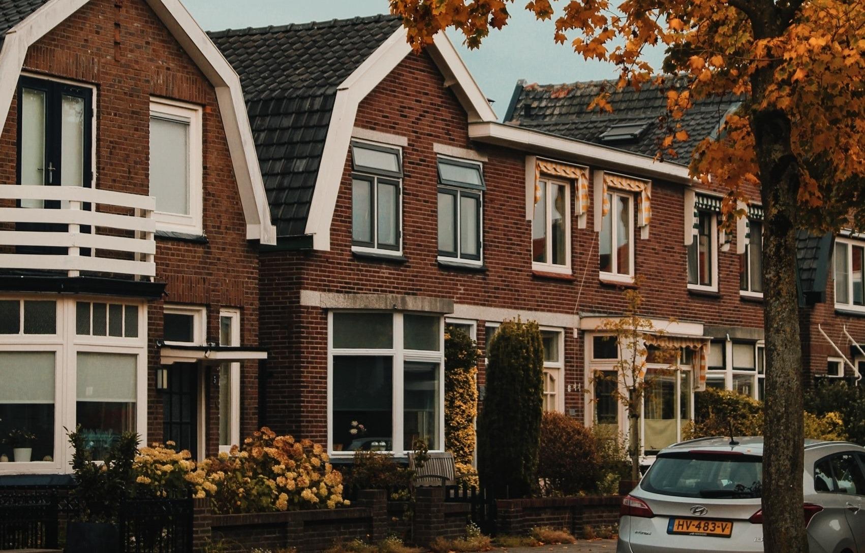De Wsnp en een eigen woning; verplichting tot verkoop?