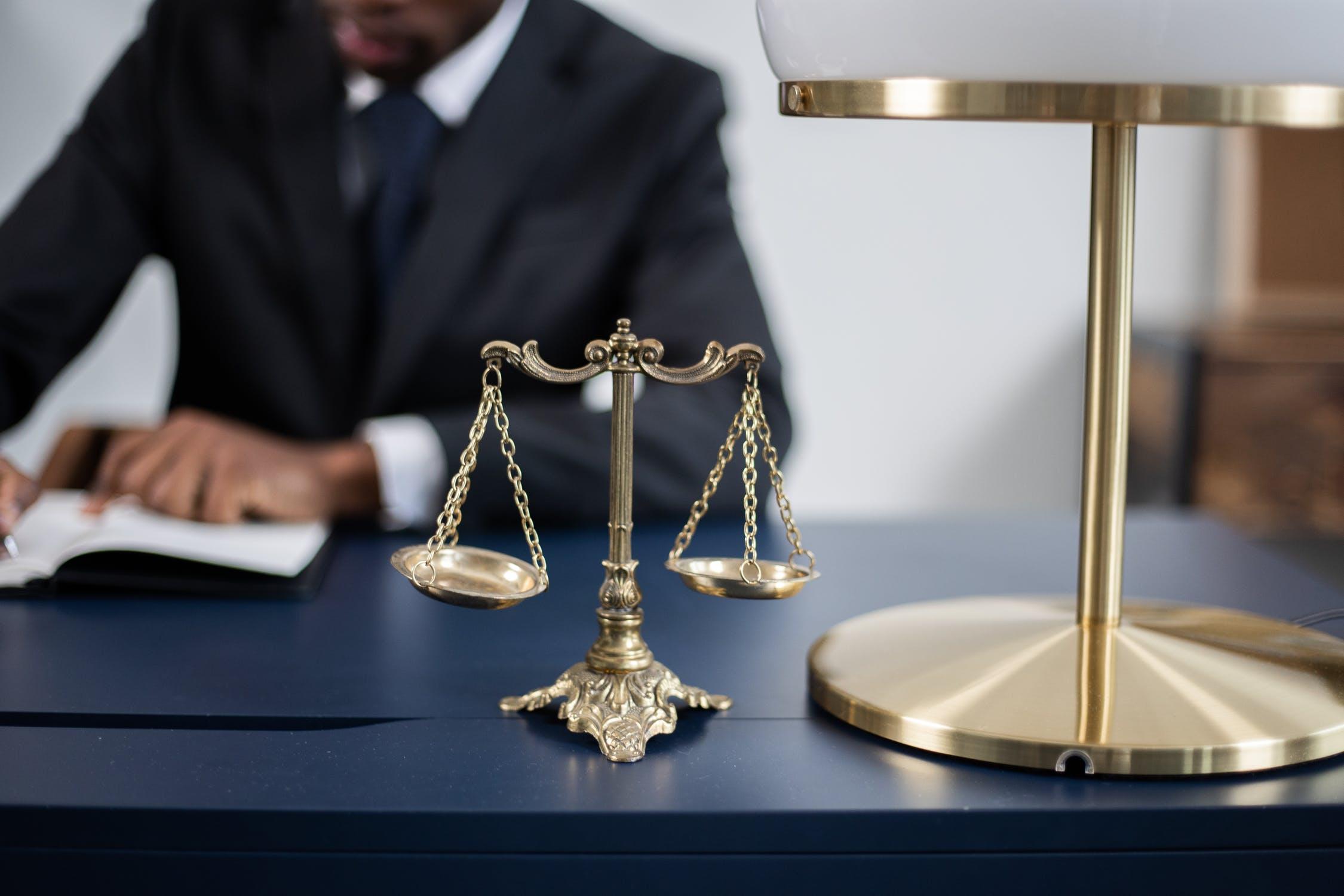 Bijstand van een advocaat bij een OM-zitting